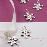 Daisy Flower Favor Charms - 20 pcs
