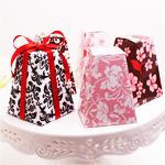 Patterned Pedestal Favor Boxes