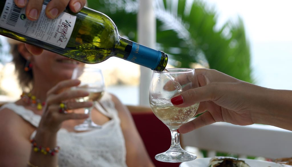 "A Study Figured Out What Time ""Wine O'Clock"" Is"