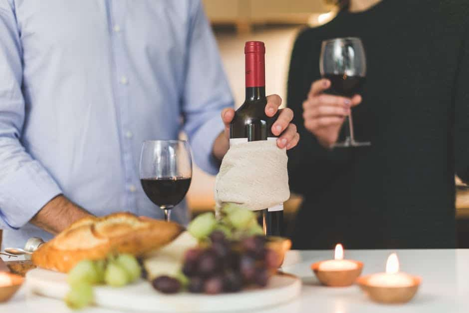 Dinner Party? Here's How Late You Can Stay Without Being Rude