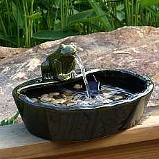 Frog Solar Water Feature Garden Fountain