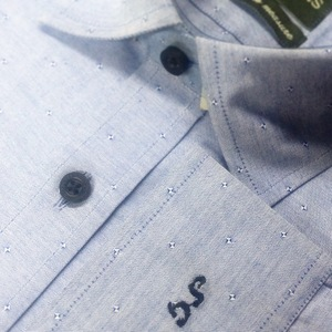 Blue_patterned_shirt