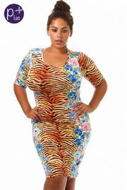 Plus Size Wild Life Half Sleeve Midi Dress