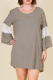Plus Size Crochet Bell Sleeve Hounds Tooth Shift Dress