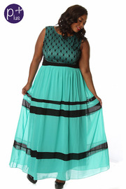 Plus Size Sleeveless Key Hole Back Maxi Dress