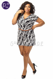 Plus Size Geo Print Short Sleeve Romper w/ Waist belt