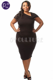 Plus Size Shoulder Twist Solid Midi Dress