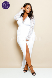 Plus Size Lace Sleeve Solid Front Draped Maxi Dress