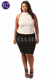 Plus Size Exposed Floral Cropped Top