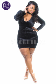 Plus Size V-neck Velvet Choker Mini Dress