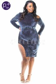 Plus Size Baroque Velvet Bodycon Slit Cold Shoulder Dress