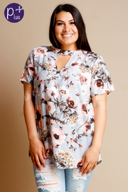 Plus Size Keyhole Short Sleeved Floral Top