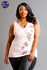 Plus Size V-neck Roses Patch Side Top