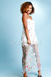 Very Floral Embroidery Mesh Maxi Sweetheart Dress