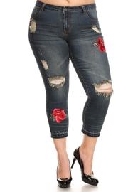Plus Size Ripped Floral Patch Capri Jeans