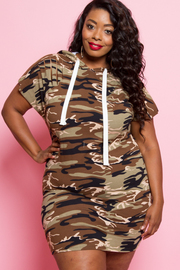 Plus Size Street Style Camo Hooded Mini Dress