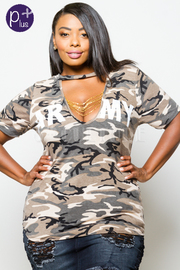 Plus Size Chain Up Keyhole Army Camo Top