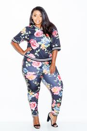 Plus Size Paradise Floral Printed 2-Piece Jogger Pants Set