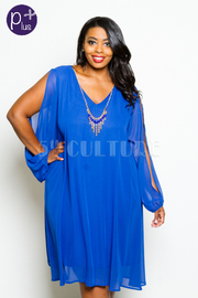 Plus Size Slit Sleeve Solid Flowy Dress w/ Necklace