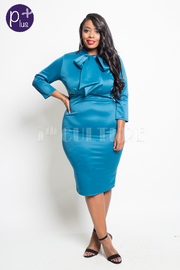 Plus Size Bow Tie 3/4 Sleeved Midi Dress