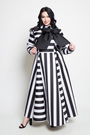 PLUS SIZE ELEGANT STRIPED MAXI DRESS WITH RIBBON POINT