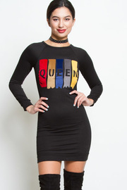 COMFY QUEEN LOGO DRESS
