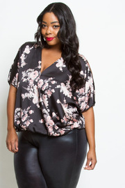 PLUS SIZE FLORAL CUTE TOP