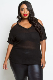 PLUS SIZE COLD SHOULDER LOOSE TOP