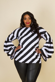 PLUS SIZE STYLISH SHORT SLEEVE TOP
