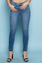 BOTTOM SLIT WASHED JEAN