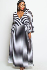 PLUS SIZE STRIPE BELL SLEEVE MAXI DRESS