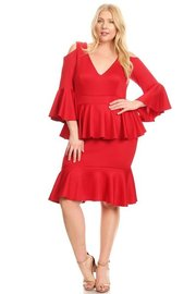 PLUS SIZE COLD SHOUDLER RUFFLE BOTTOM MIDI DRESS