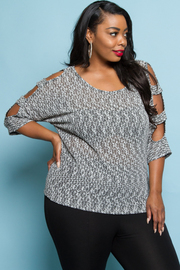 PLUS SIZE COLD SHOULDER SHORT SLEEVE TOP
