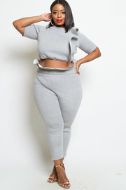 PLUS SIZE RUFFLE POINT SHORT SLEEVE TOP AND PANTS SET