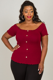 PLUS SIZE COLD SHOULDER FITTED SHORT SLEEVE TOP
