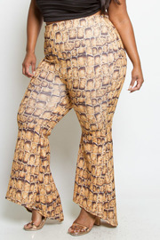 PLUS SIZE FITTED CROCODILE PRINTED PANTS