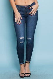 STYLISH DESTROYED CROP JEANS