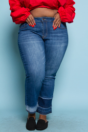PLUS SIZE BOTTOM POINT STRAIGHT JEANS