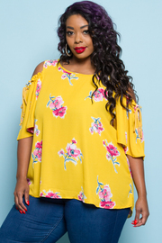 PLUS SIZE COLD SHOULDER FLORAL TOP