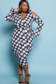 PLUS SIZE WRAP DOT PATTERN COLD SHOULDER MIDI DRESS