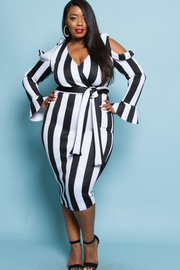 PLUS SIZE STRIPE WRAP COLD SHOULDER MIDI DRESS