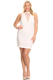 PLUS SIZE SLEEVELESS LACE FRONT POINT MINI DRESS