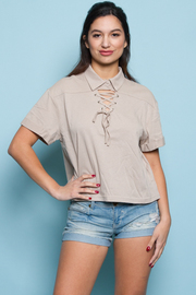 FRONT STRING SHORT SLEEVE TOP