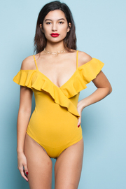 OFF SHOULDER RUFFLE POINT BODYSUITS
