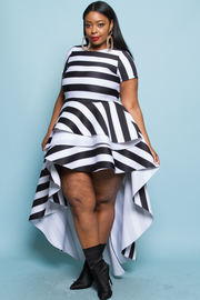 PLUS SIZE Short sleeves cascade tail dress