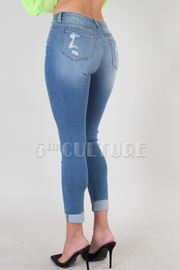DENIM DESTROYED CROP JEANS