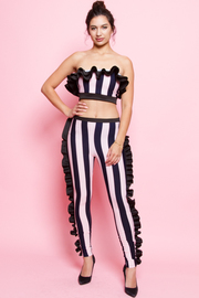 TOP AND PANTS WITH SIDE RUFFLE POINT