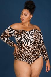 Off shoulder long sleeve leopard printed bodysuit