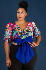 Plus Size Elbow Bishop Sleeve Crop Top
