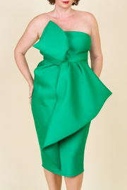 Plus Size Sleeveless With Bow In The Front Dress